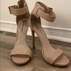 Steve Madden Nude Strappy Heels, size 7